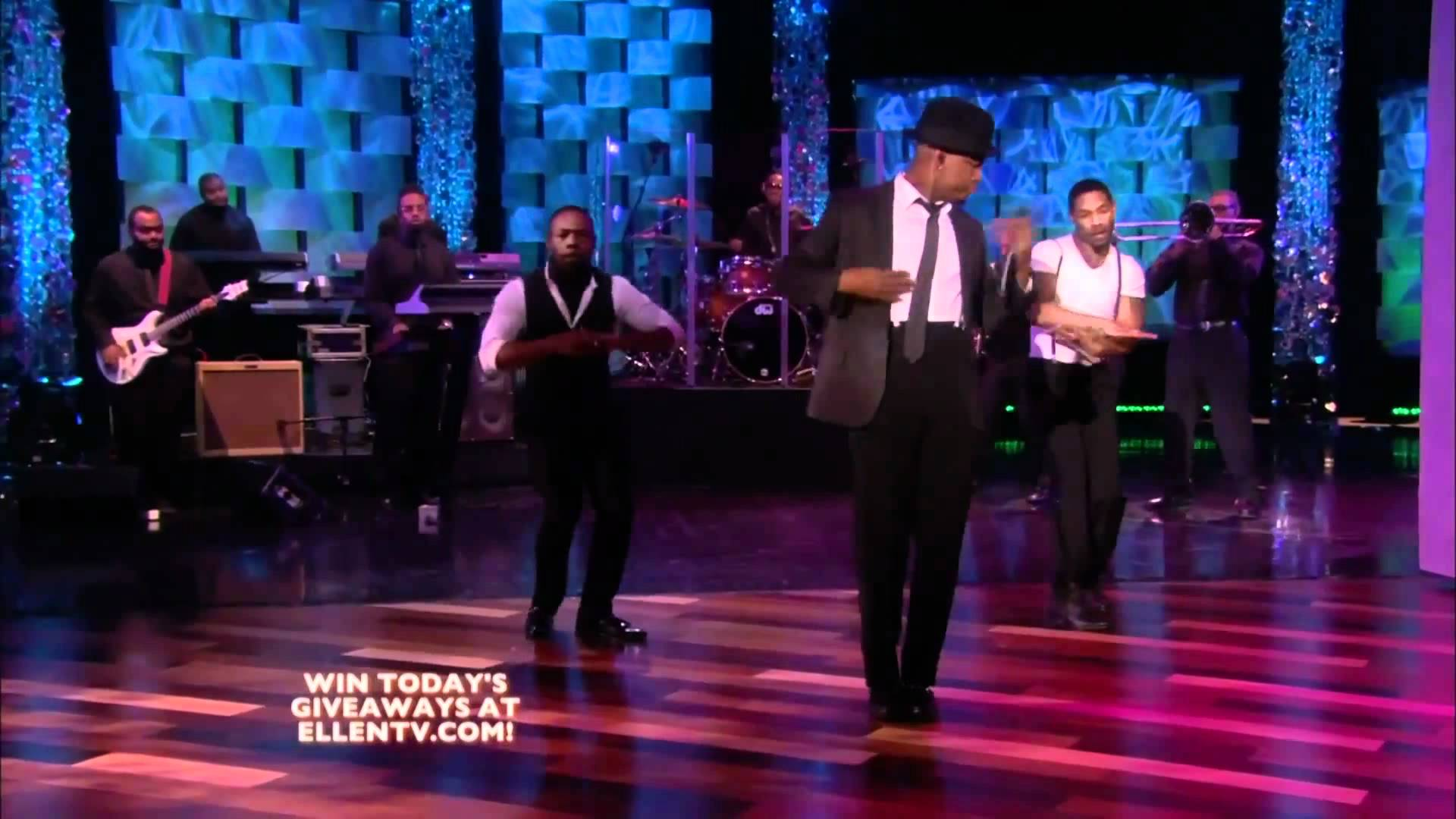 Ne-Yo Performs on Ellen